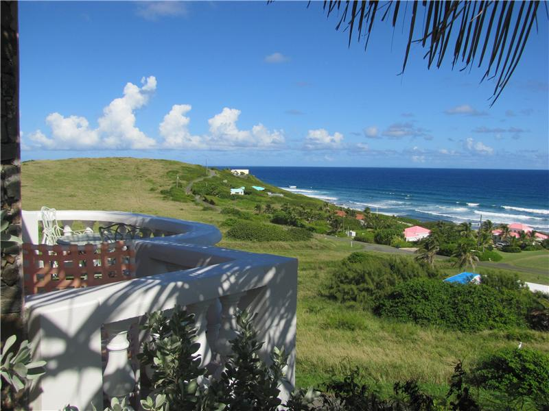 Master Patio overlooks Caribbean Waves to the North East