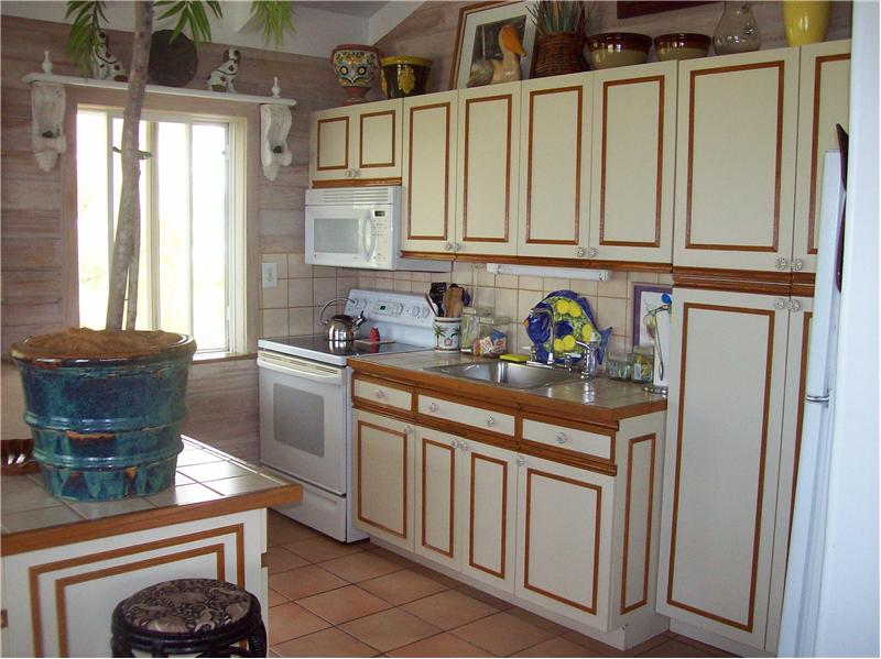 Full Sized Kitchen, wonderful spaces for visiting family