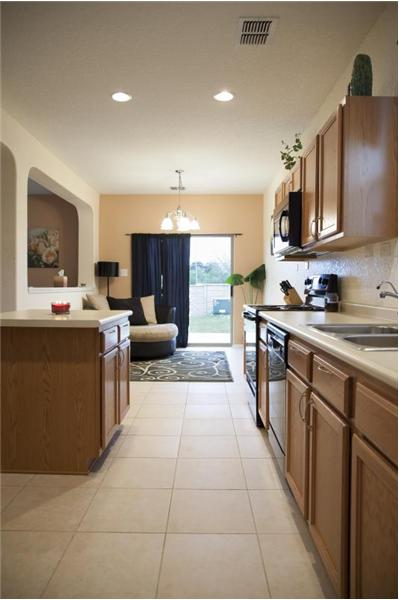 Kitchen with Ceramic Tile