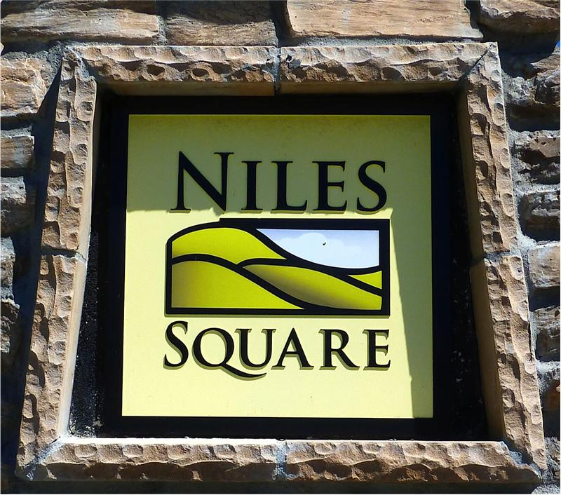 Niles Square - built in 2006-2008