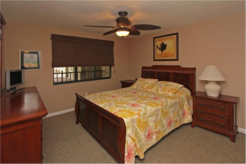 Large 2nd bedroom with flat screen TV
